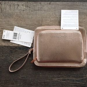 Adrienne Vittadini charging wallet w/ RDIF protect